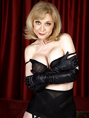 Teen porn star: Nina Hartley